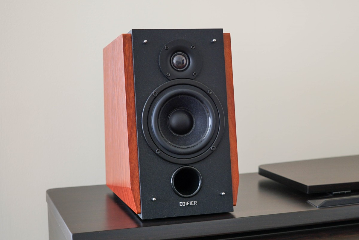 Edifier R1700BT Review - A Thing of Beauty
